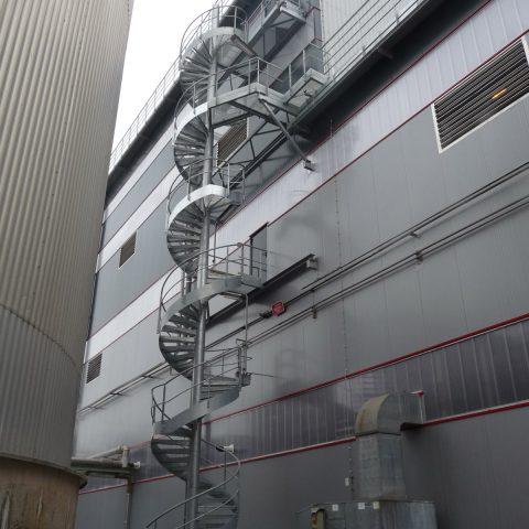 Escalier de secours hélicoïdal – industrie chimique