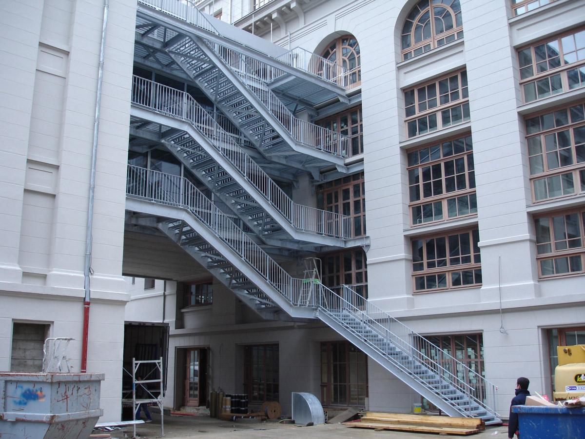 Escaliers de secours – réhabilitation des Grands Moulins de Paris